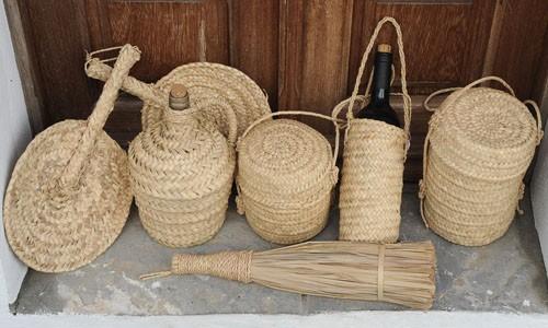 Palma cester a tradicional - Escobas de palma ...